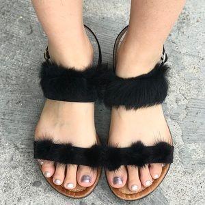 Shoes - Cute black furry sandals